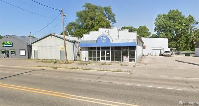 4211 Fenton Road, Burton, MI 48529 (#2200071804) :: Novak & Associates