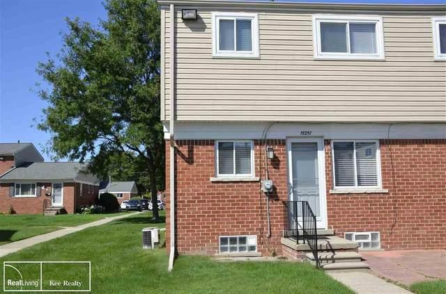 19257 S. Highlite, Clinton Twp, MI 48035 (#58050022601) :: Duneske Real Estate Advisors