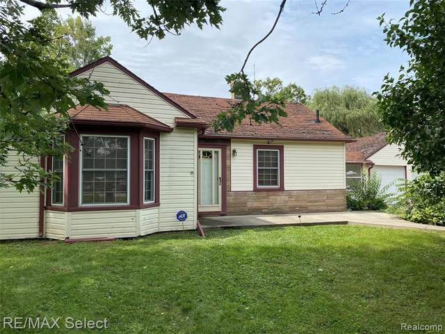 1335 N Ives Avenue, Burton, MI 48509 (#2200073068) :: RE/MAX Nexus