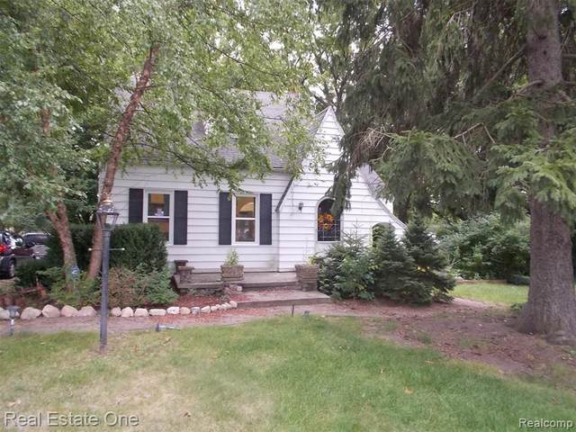 164 Myers Rd, Lapeer Twp, MI 48446 (#2200073249) :: The Mulvihill Group