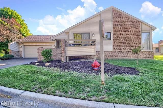 23355 N Chanticleer Drive, Southfield, MI 48034 (#2200073408) :: Duneske Real Estate Advisors