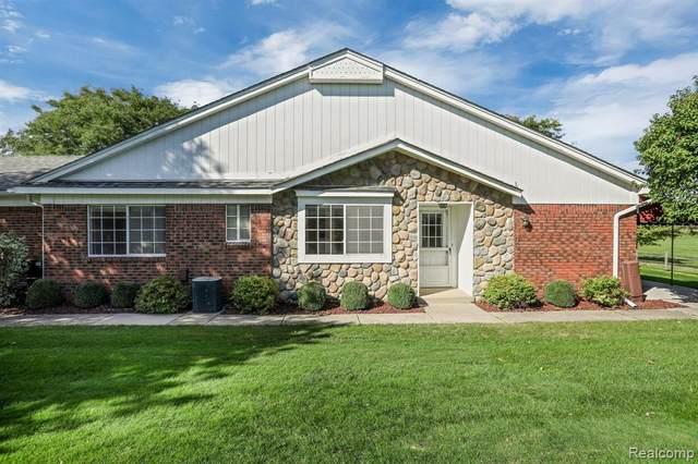 764 Country Club Drive #09, Saint Clair Shores, MI 48082 (#2200073442) :: The BK Agency