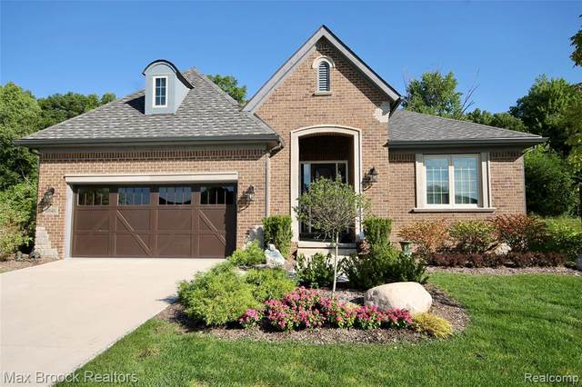 6840 Heirloom Circle, West Bloomfield Twp, MI 48322 (#2200073534) :: The Mulvihill Group