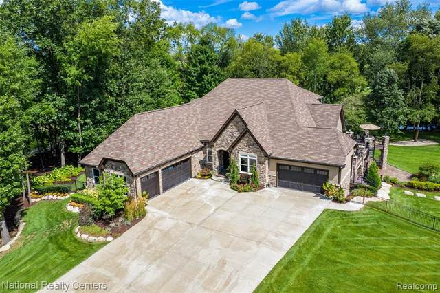 56193 10 MILE Road, Lyon Twp, MI 48178 (#2200073627) :: GK Real Estate Team