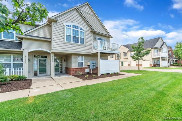 4268 Hampton Ridge Boulevard #168, Genoa Twp, MI 48843 (#2200073934) :: Duneske Real Estate Advisors