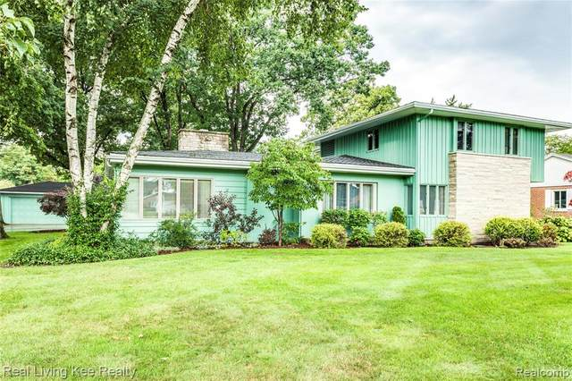 4097 Gratiot Avenue, Fort Gratiot Twp, MI 48059 (#2200074080) :: The Alex Nugent Team | Real Estate One