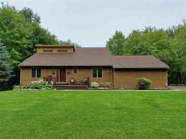 1655 Munger Rd, Holly, MI 48442 (MLS #55202002613) :: The John Wentworth Group