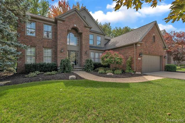 4971 Cherry Blossom Circle, West Bloomfield Twp, MI 48324 (#2200074834) :: The BK Agency