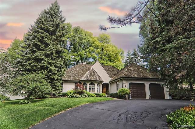 5456 Bristol Parke Drive, Independence Twp, MI 48348 (#2200074976) :: The BK Agency