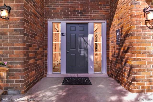 1121 Tienken Ct Apt 217, Rochester Hills, MI 48306 (#2200075032) :: Duneske Real Estate Advisors