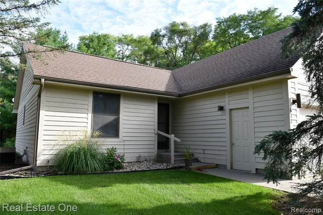 672 South Street, Grass Lake Vlg, MI 49240 (#2200075038) :: Novak & Associates