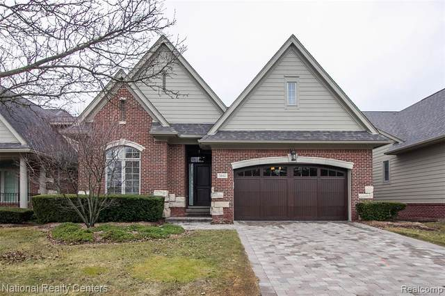 5662 Pembrooke Crossing #12, West Bloomfield Twp, MI 48322 (#2200075069) :: The Mulvihill Group