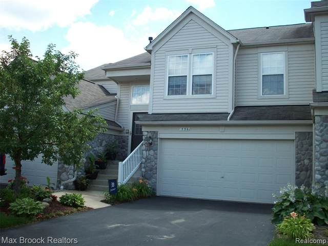 536 Dockside Circle #29, Holly Twp, MI 48442 (#2200075206) :: The Mulvihill Group
