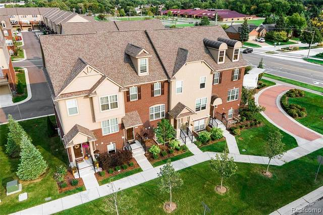 979 Barclay Circle #58, Rochester Hills, MI 48307 (#2200075553) :: Duneske Real Estate Advisors