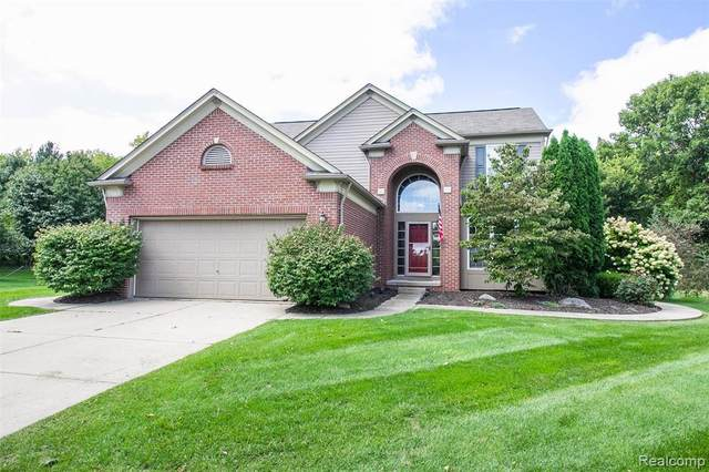 271 Valley Stream Drive, Holly Twp, MI 48442 (MLS #2200075613) :: The John Wentworth Group