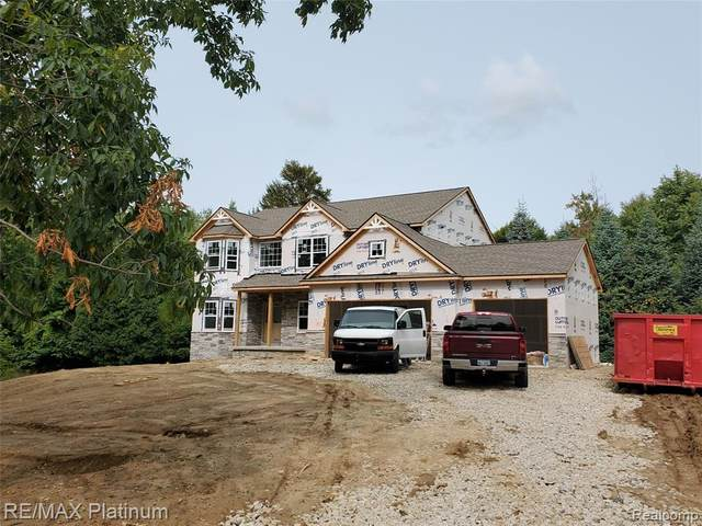 2728 Bullard Road, Hartland Twp, MI 48353 (#2200075742) :: Novak & Associates