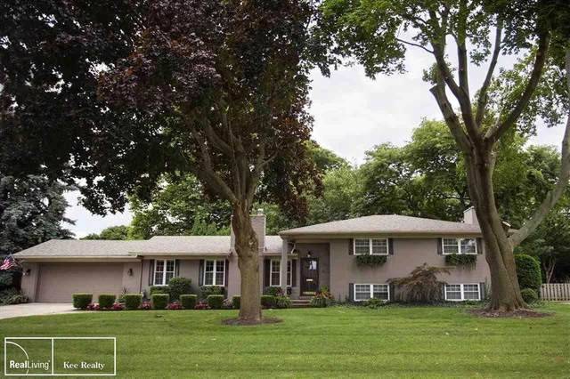 41 Briarcliff, Village of Grosse Pointe Shores, MI 48236 (MLS #58050023556) :: The Toth Team