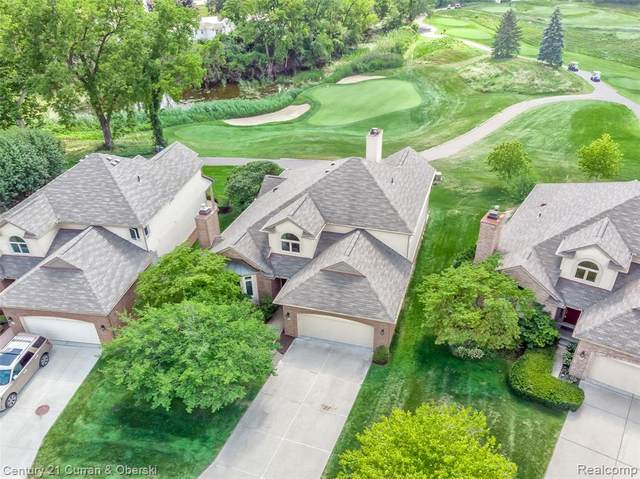 15 Turnberry Lane, Dearborn, MI 48120 (#2200076009) :: Novak & Associates