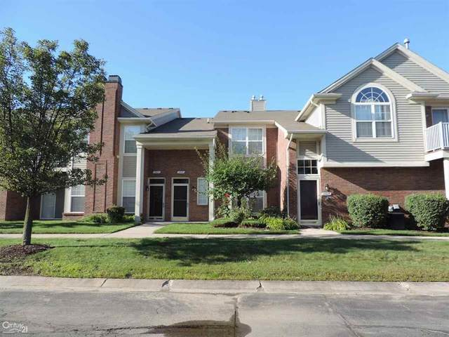 15417 Yale, Clinton Twp, MI 48038 (#58050023681) :: The BK Agency