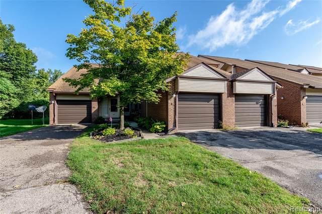 6620 Ridgefield Cir Apt 101, West Bloomfield Twp, MI 48322 (#2200076231) :: Duneske Real Estate Advisors