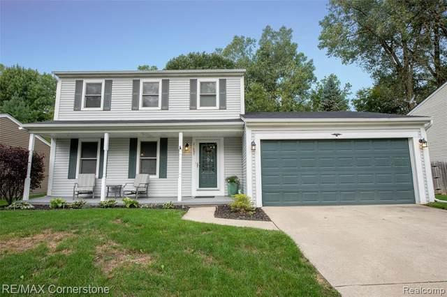 21697 Flanders Street, Farmington Hills, MI 48335 (#2200076242) :: The BK Agency