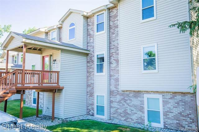 4882 Harbor Point Dr # 13, Waterford Twp, MI 48329 (#2200076279) :: The BK Agency