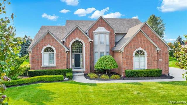 61555 Crown Point Drive, Washington Twp, MI 48094 (#2200076514) :: RE/MAX Nexus
