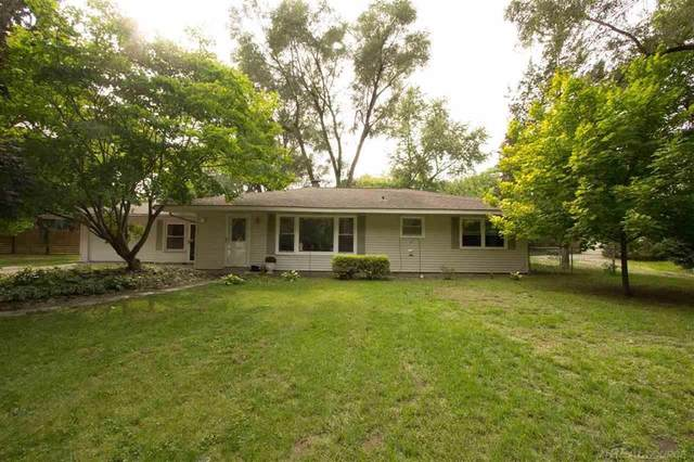 9212 Peters Rd, Clay Twp, MI 48001 (MLS #58050023850) :: The Toth Team