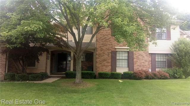 29535 Pine Ridge Circle #10, Farmington Hills, MI 48331 (#2200076828) :: RE/MAX Nexus