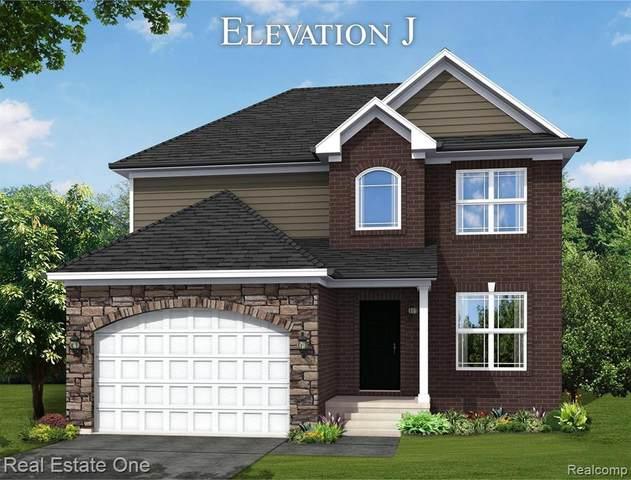 2467 E Maple, Troy, MI 48083 (#2200076880) :: Duneske Real Estate Advisors
