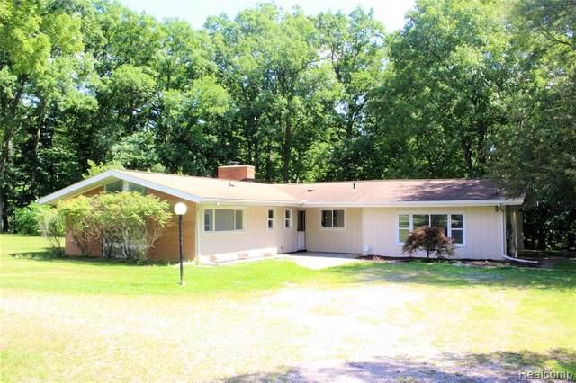 25570 Ravine Street, Southfield, MI 48033 (#2200076886) :: Duneske Real Estate Advisors