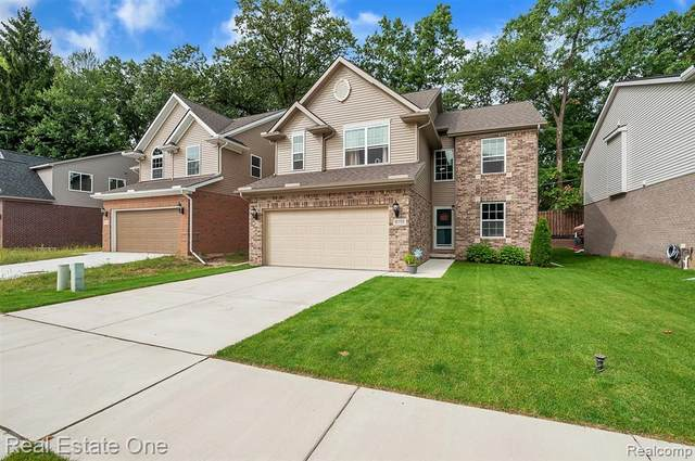8755 Oakridge Trail, Westland, MI 48185 (#2200076895) :: The BK Agency