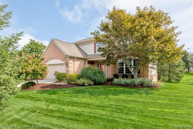 714 Westhills Drive, South Lyon, MI 48178 (#2200076901) :: Novak & Associates