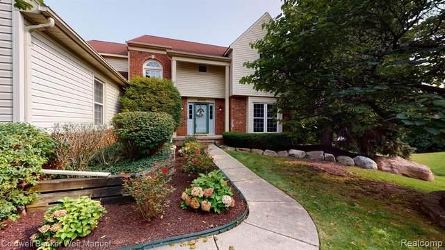 39003 Wilton Court, Farmington Hills, MI 48331 (#2200076980) :: The BK Agency
