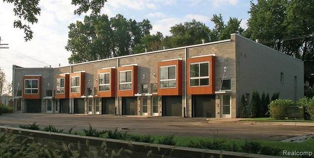 444 E Parent Avenue, Royal Oak, MI 48067 (#2200077028) :: The BK Agency