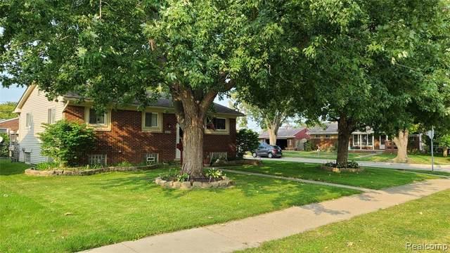 21219 East Twelve Mile Road, Saint Clair Shores, MI 48081 (#2200077061) :: BestMichiganHouses.com