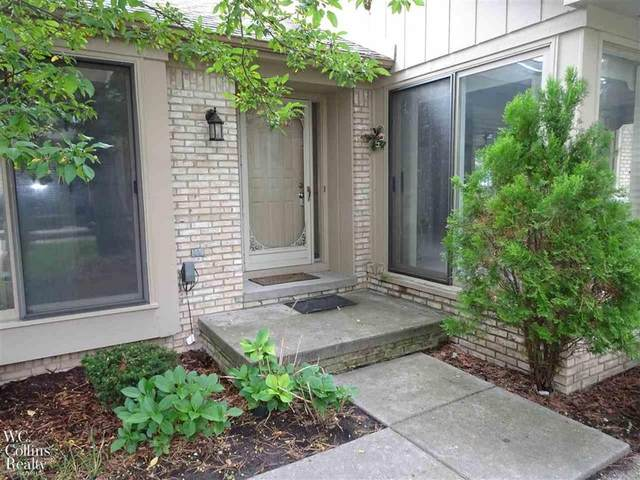 43047 W Kirkwood Bldg. 7, Unit 2, Clinton Twp, MI 48038 (#58050023988) :: GK Real Estate Team