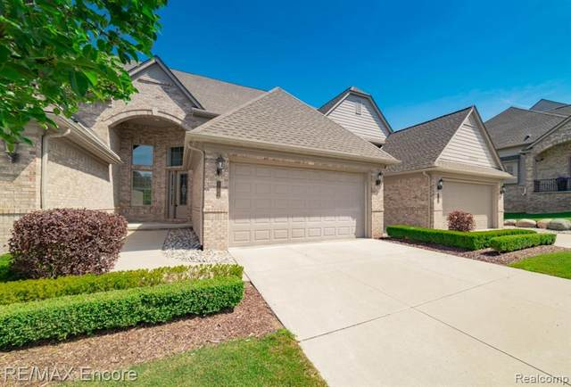 5752 Knob Hill Circle #38, Independence Twp, MI 48348 (#2200077312) :: Duneske Real Estate Advisors