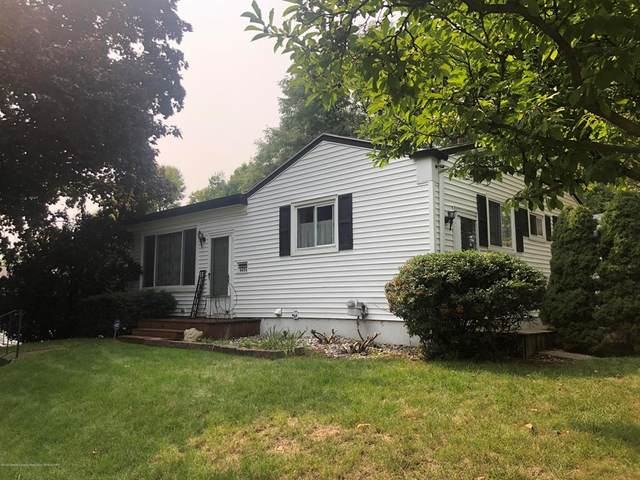 4404 Burchfield Avenue, Lansing, MI 48910 (#630000249848) :: The BK Agency