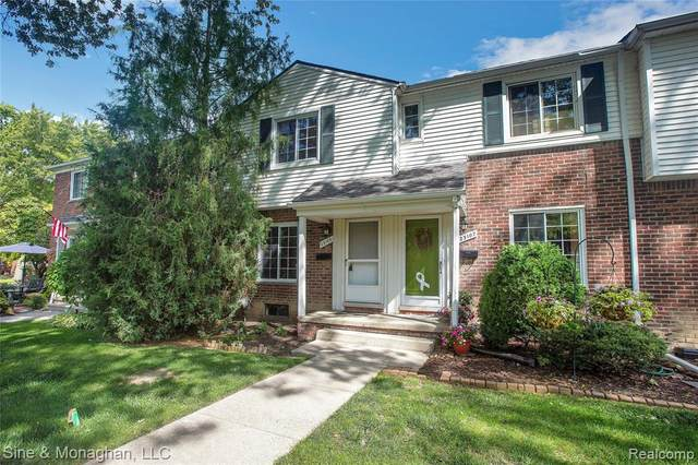 23105 Arthur Court, Saint Clair Shores, MI 48080 (#2200077322) :: Duneske Real Estate Advisors
