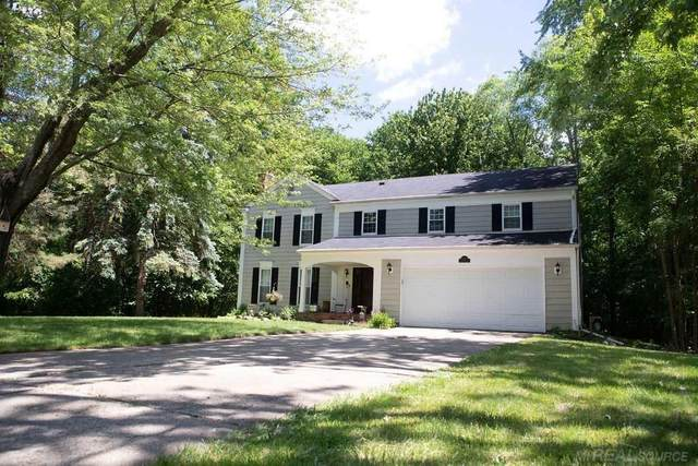 5445 S Piccadilly Cir, West Bloomfield, MI 48322 (#58050024051) :: Robert E Smith Realty