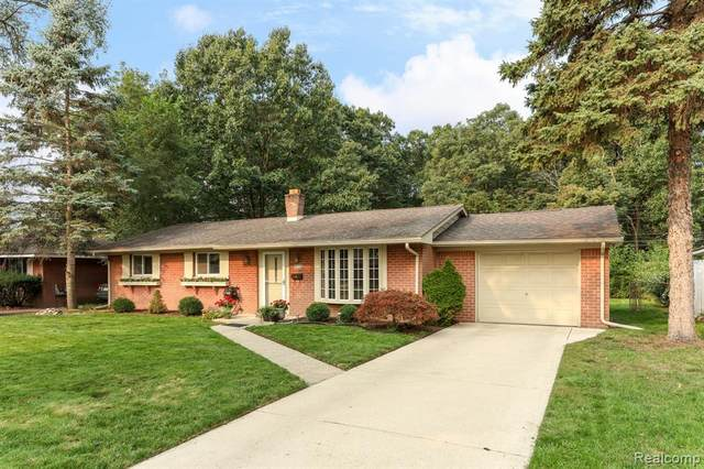 35815 Thames St, Westland, MI 48186 (#2200077400) :: The Mulvihill Group