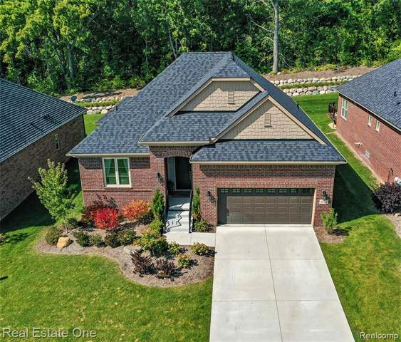 5524 Woodfall Road #28, Independence Twp, MI 48348 (#2200077686) :: Novak & Associates