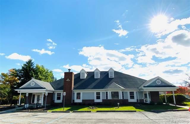 31260 Wakefield Drive, Novi, MI 48377 (#2200077786) :: Duneske Real Estate Advisors