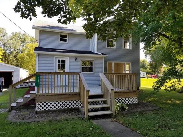 315 S Chicago St, Hillsdale, MI 49252 (#53020039359) :: GK Real Estate Team