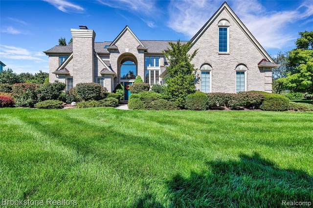 6522 Kings Mill Drive, Canton Twp, MI 48187 (#2200077862) :: BestMichiganHouses.com