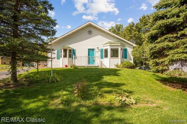 425 East Road, Holly Vlg, MI 48442 (MLS #2200077877) :: The John Wentworth Group