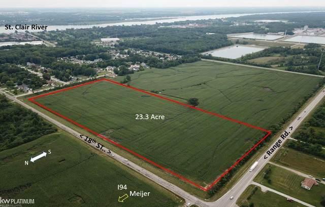 Range Rd. & 18Th St, Marysville, MI 48040 (MLS #58050024251) :: The John Wentworth Group