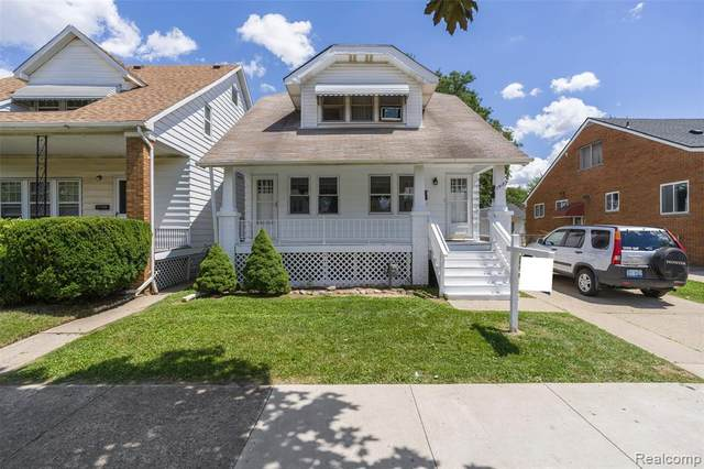 7512 Maple Street, Dearborn, MI 48126 (#2200078009) :: The Mulvihill Group