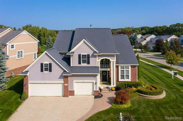6030 Balmoral Way, Commerce Twp, MI 48382 (#2200078076) :: Duneske Real Estate Advisors